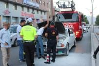 Seyir Halindeki Otomobilin Motor Kısmında Çıkan Yangın İtfaiyenin Müdahalesiyle Söndürüldü