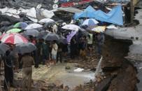 HAVA TRAFİĞİ - Hindistan'da Yağışlarda Ölenlerin Sayısı 30'Ü Yükseldi