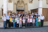 YOĞUN MESAİ - Tosya'da Kur'an Kursuna Katılan Öğrencilere Dondurma İkramı