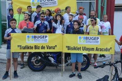 Aliağalı Bisikletçiler 'Trafikte Biz De Varız' Dedi
