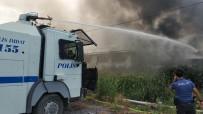 Mağaza Yangınını Söndürme Çalışmasına TOMA'lar Da Destek Verdi