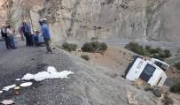 Minibüs Şarampole Yuvarlandı Açıklaması 10 Yaralı