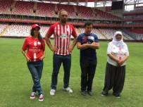 KARABÜKSPOR - Antalyaspor'dan Ali Gürbüz'lü Forma Tanıtımı