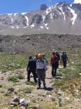 JANDARMA - Erciyes Dağı'nda Yaralanan Dağcı Tedavi Altına Alındı