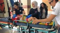 Balkondan Düşen 2 Yaşındaki Çocuk Yaralandı