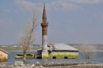 Kars'ta Baraj Gölü 5 Metre Çekildi