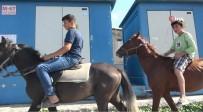HAFTA SONU - Şehir Kovboyları Caddede Atla Dolaştı