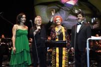 MAHSUN KIRMIZIGÜL - Zülfü Livaneli konserine ünlüler akın etti