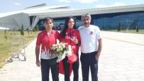 MILLI ATLET - Avrupa 3'Üncüsü Milli Atlet Kars'ta Çiçeklerle Karşılandı
