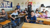 Burhaniye'de Öğrenciler Tatilde Konsere Hazırlanıyorlar