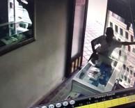 İki Günde Üç Dükkandan Telefon Çaldı, Son İşinde Yakalandı