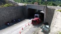 Bartın'da Otomobil Üst Geçitten Düştü Açıklaması 1 Ölü, 4 Yaralı