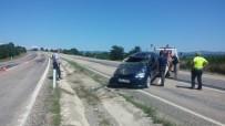 Yoldan Çıkan Otomobil Takla Attı Açıklaması 2 Yaralı