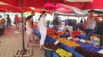 Burhaniye'de Yazlıkçı Pazarı 7 Yılını Doldurdu