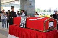 MİLLİ SAVUNMA KOMİSYONU - Eski TBMM Başkanı Bozbeyli Son Yolculuğuna Uğurlandı