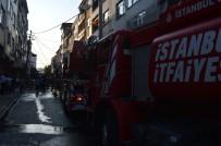 Gaziosmanpaşa'da Çatı Yangını