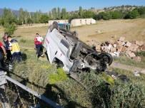 Hafif Ticari Araç Takla Attı Açıklaması 1 Ölü, 1 Yaralı