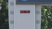 FURKAN DOĞAN - Termometre 45 Dereceyi Gördü, Vatandaşlar Parklara Koştu
