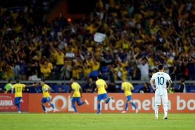 Brezilya, Arjantin'i devirdi final biletini kaptı