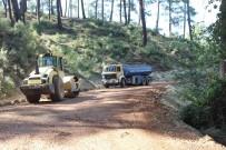 Büyükşehir Kumluca'da Yol Yapım Çalışmalarını Sürdürüyor