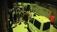 (Özel) Zeytinburnu'nda Geri Geri Gelen Kamyonet Yaşlı Adamı Ezdi