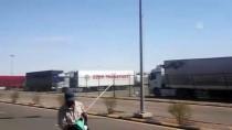 Ruhsar Pekcan - Suudi Arabistan'da 85 Türk Tırı Günlerdir Limanda Bekletiliyor