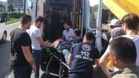 KARADENIZ SAHIL YOLU - Damperi Açılan Kamyon Üst Geçide Çarptı Açıklaması 1 Yaralı