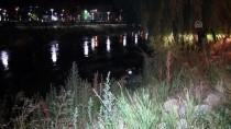 Epilepsi Nöbeti Geçiren Sürücü Motosikletiyle Nehre Düştü
