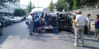 Hafif Ticari Araç İle Motosiklet Çarpıştı Açıklaması 2 Yaralı