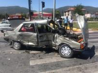 Konya'da Tır İle Otomobil Çarpıştı Açıklaması 3 Yaralı