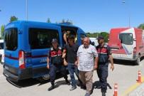 CİNAYET ZANLISI - Üzerine Traktör Sürülen Genç Öldü, Babası Yaralandı