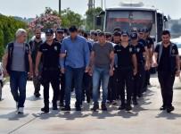ÇEYREK ALTIN - Kıbrıs Üzerinden Yasa Dışı Bahis Oynatan Çete Çökertildi
