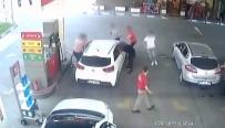 Polis Hırsızları Benzin İstasyonunda Yakaladı Açıklaması O Anlar Kamerada