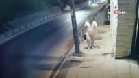 Üsküdar'da Camide Hırsızlık Yapan Şahıs Kamerada