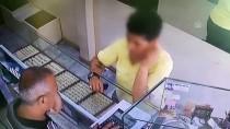 YANKESİCİLİK VE DOLANDIRICILIK BÜRO AMİRLİĞİ - Kuyumcudan Hırsızlık Anı Güvenlik Kamerasına Yansıdı