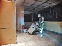 Sancaktepe'de Börek Salonundan Yükselen Duman Korkuttu