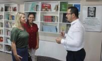 Bu İlçenin Gençleri Kıraathânede Kitap Okuyup, Satranç Oynayarak Vakit Geçiriyor