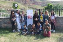 ÇEVRE TEMİZLİĞİ - Kırıkkale'den Gelen 40 Kişilik Öğrenci Kafilesi Ağrı'yı Gezdi