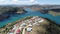 Sivas'taki Bu Köy, Tatil Köylerini Andırıyor