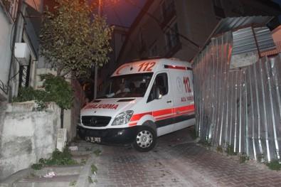 Ambulans Askıda Kaldı, Vatandaşlar Üzerine Çıkarak Dengede Tutmaya Çalıştı