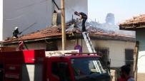 Boş Evde Çıkan Yangın Paniğe Sebep Oldu