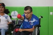 Engelli Bilal'in Spor Yapma Hayali Oyuncak Satarken Gerçek Oldu