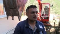 Evinin Bodrumunda Yaptığı Ekskavatörü Duvarı Yıkarak Çıkardı