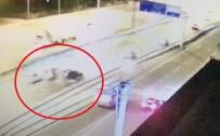 Kocaeli'de Bir Gencin Öldüğü Kaza Kameralara Yansıdı