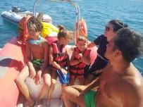 Burhaniye'de Denizde Arızalanan Teknedekileri İtfaiye Kurtardı