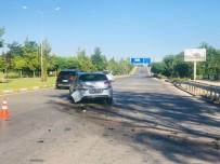 ULUSAL EGEMENLIK - Eskişehir'de Trafik Kazası Açıklaması 5 Yaralı