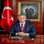 HACI BAYRAM-I VELİ - 'Mübarek Kurban Bayramı'na Milletimiz Ve Ankaralılar İle Birlikte Erişmenin Büyük Mutluluğunu Yaşıyoruz'