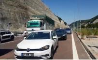 Orhangazi Tünelinde Yanan Otomobil Trafiğin 1 Saat Durmasına Sebep Oldu
