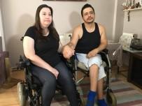 HAYIRSEVERLER - (Özel) Engelli Vatandaş, Bayram Öncesi Akülü Araba Sevinci Yaşadı