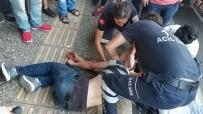 Samsun'da Sokak Ortasında Sopalı Saldırıda Kanlar İçinde Kalıp Bayıldı